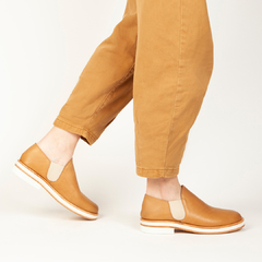 Slip on Zuri - Camel - Mancuso Zapatos