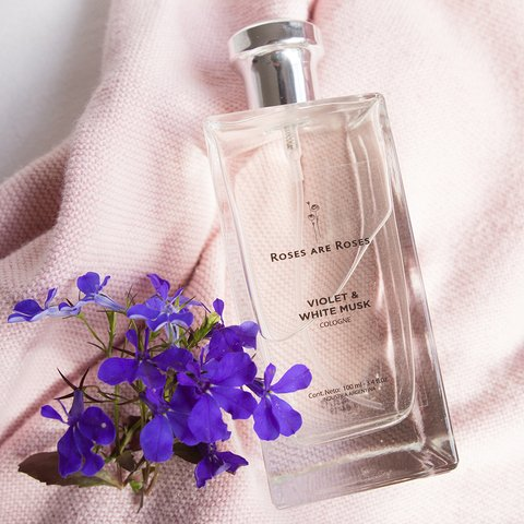 Violet & White Musk  · Colonia