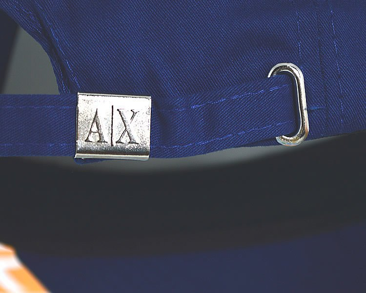 1e396c78cd Boné Armani Exchange AX Classic Azul Logo Dourada Aba Curva Strapback  Unissex. 0% OFF