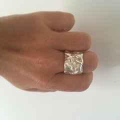 Anillo Picasso simple