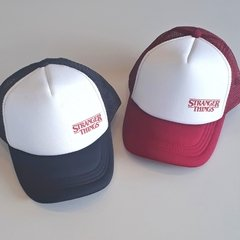 Gorra Trucker - Stranger Thinks