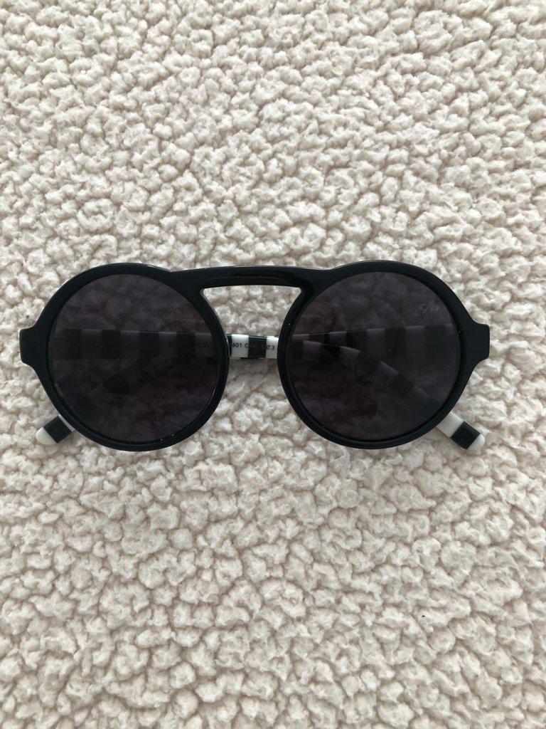 2076110f63700 Óculos de sol Chillibeans redondo preto