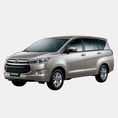 Toyota Innova SR (AT)