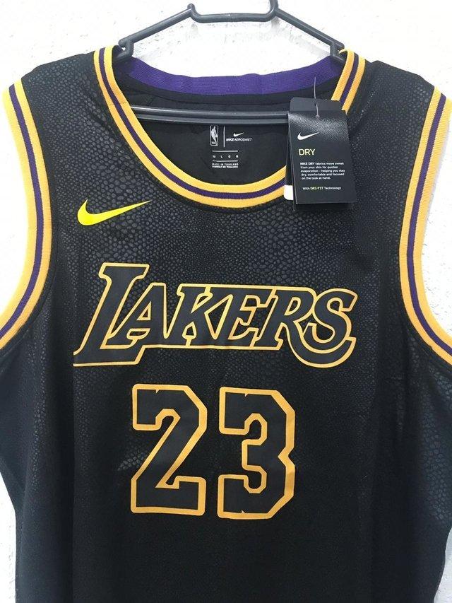 86f0ad87d13 Camisa NBA Regata Los Angeles Lakers - PRETA - CITY EDITION - JAMES 23 -  PRONTA ENTREGA