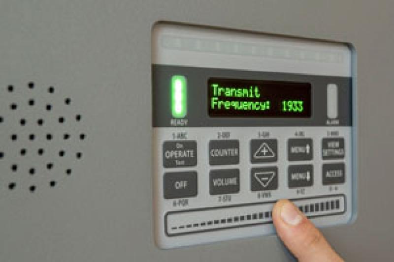 Mostra o auto-falante na caixa de controle do MZ 6100 Garrett
