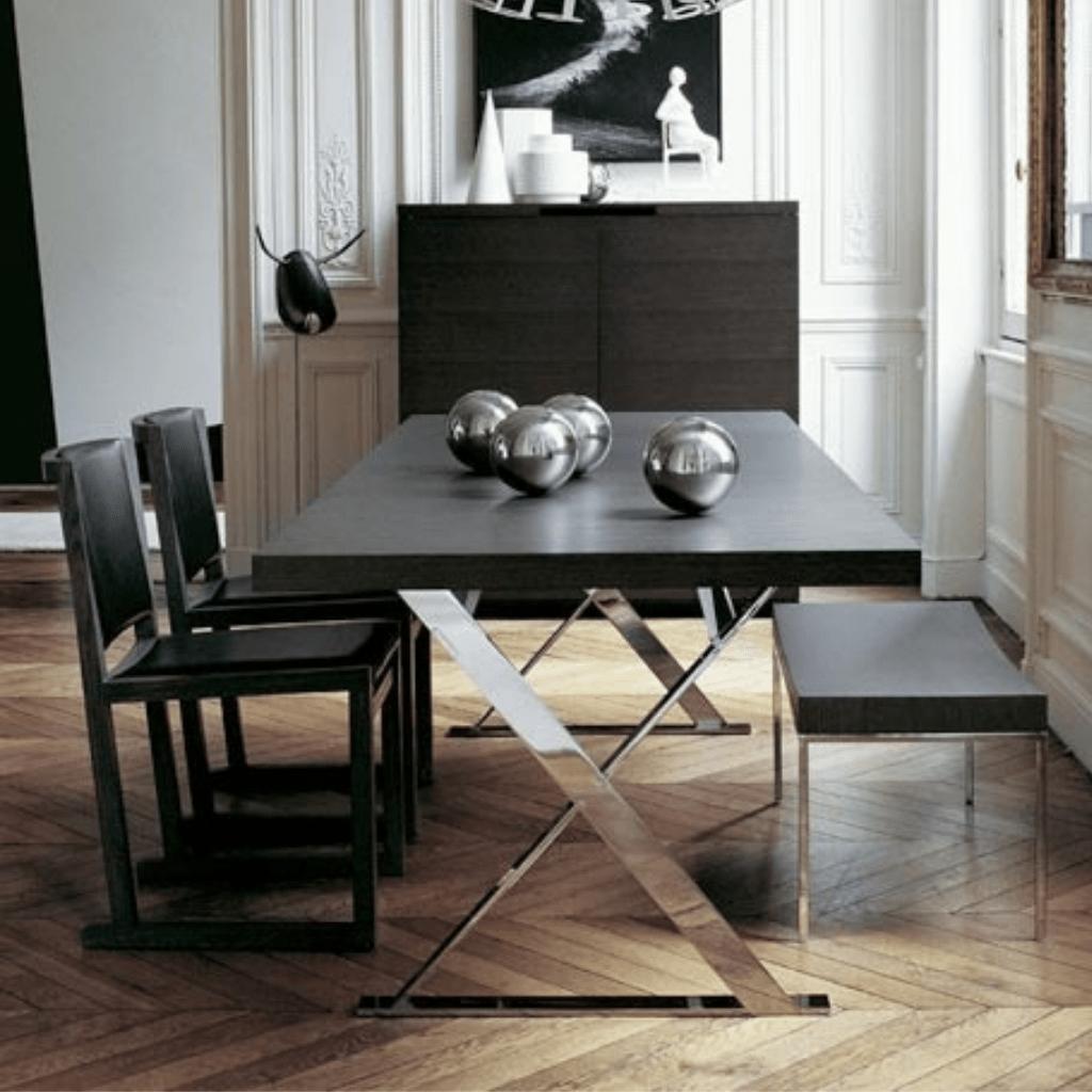 Mesa Comedor base hierro X tapa de madera laqueada.