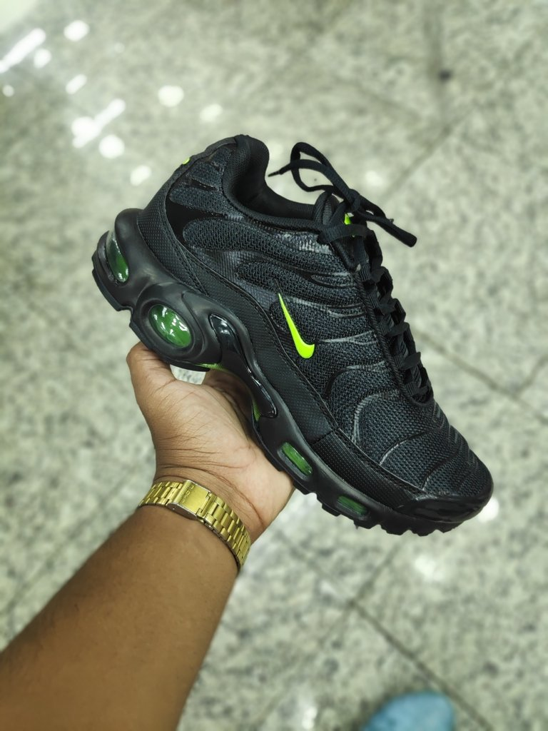 air max plus verde e branco