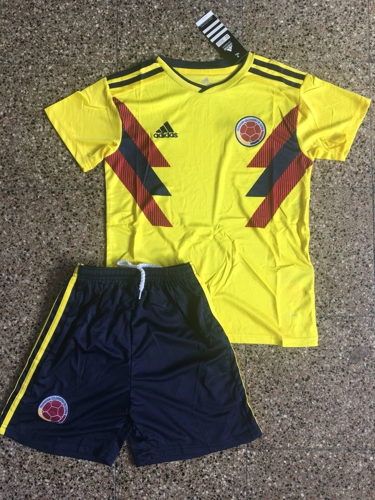 73c3dca9b9542 Kit Niños Colombia Camiseta + Short 2018