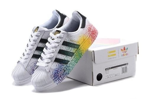 finest selection d96a7 641fe Tênis adidas Superstar Pride Pack