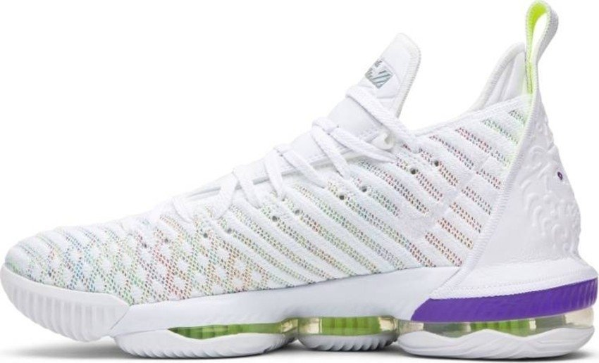 venta caliente online 7f927 c467c Tênis Nike LeBron 16