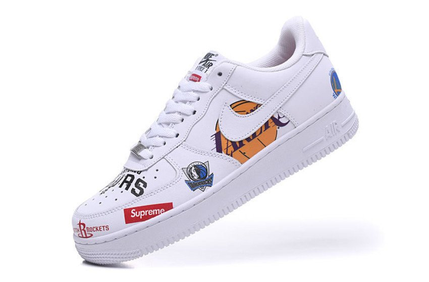 timeless design 6e87b 40aaa Tênis Nike Air Force 1 low '07 Supreme NBA - Branco