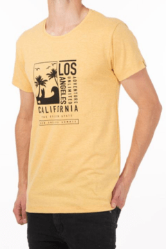 Remera california amarilla