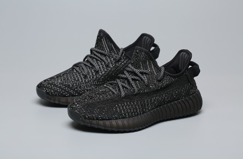 various design 50% off good quality Tênis Adidas Yeezy Boost 350 v2 black and white