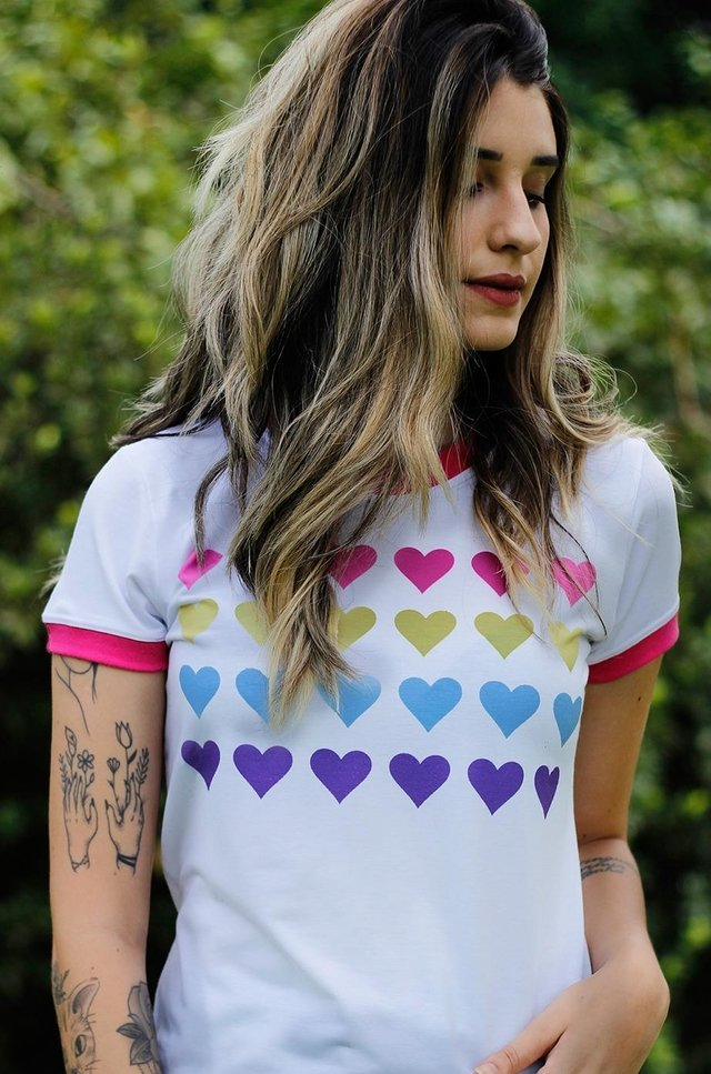 HEARTS COLORS RINGER TEE - comprar online
