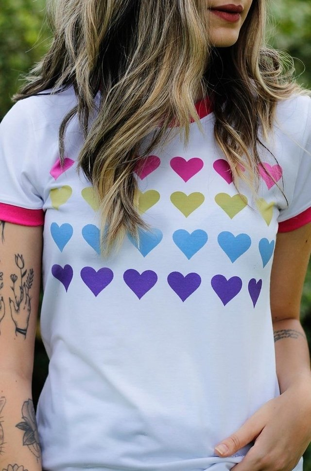 HEARTS COLORS RINGER TEE atacado na internet