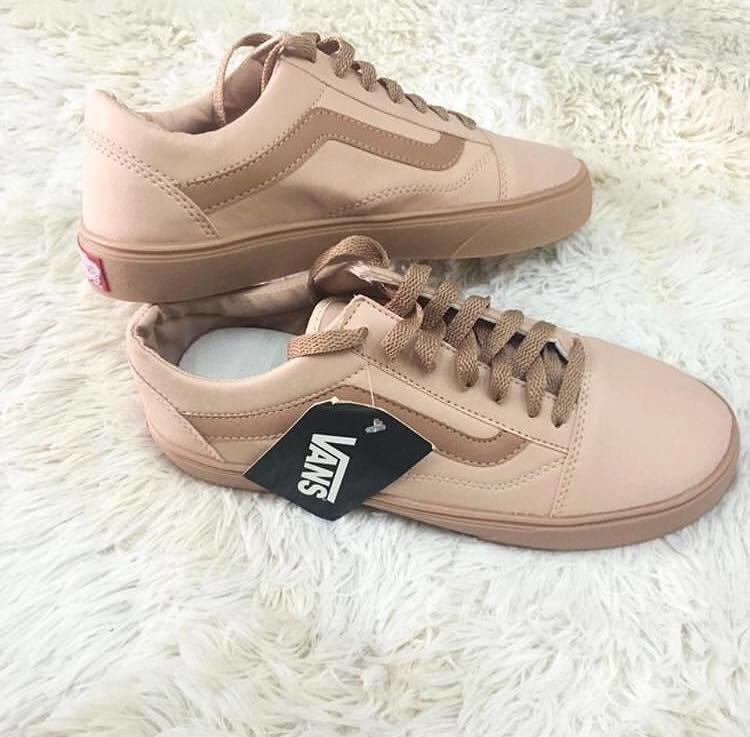 253a3ee18fd Vans Nude + Relógio Casio de Brinde - Gran Shoes
