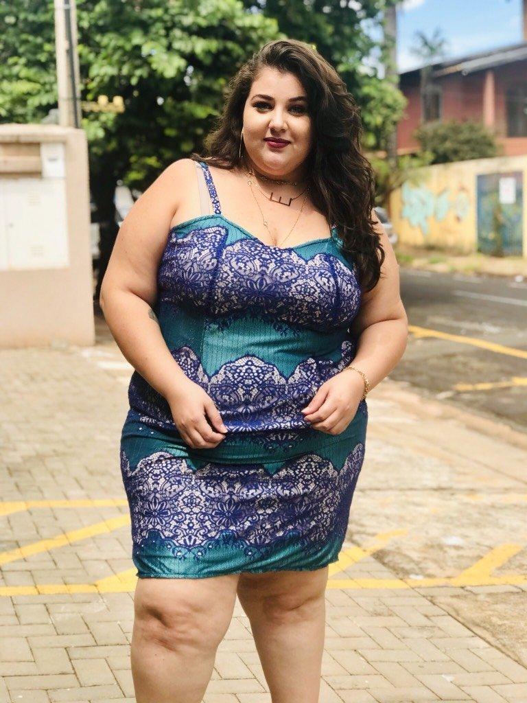 ccb84bb83 Vestido Plus Size Renda - ÁREA FEMININA PLUS SIZE