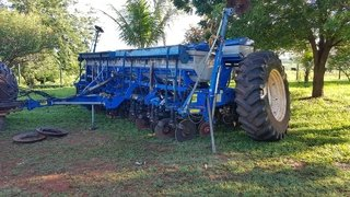 Plantadeira NEW HOLLAND SEMEATO Sol Tower 15x45 ano 2014 - NEW HOLLAND SEMEATO