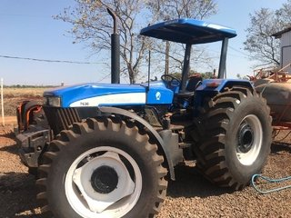 Trator NEW HOLLAND 7630 4X4 ano 2010 - NEW HOLLAND