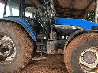 Trator NEW HOLLAND TM165 4x4 ano 2001 - NEW HOLLAND