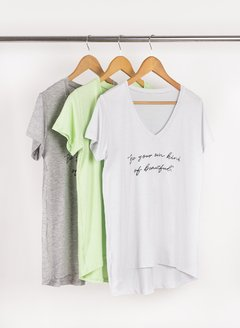 Remerón Escote V Be Your Own Kind 56260 - Remeras y remerones por mayor | Crema Moda