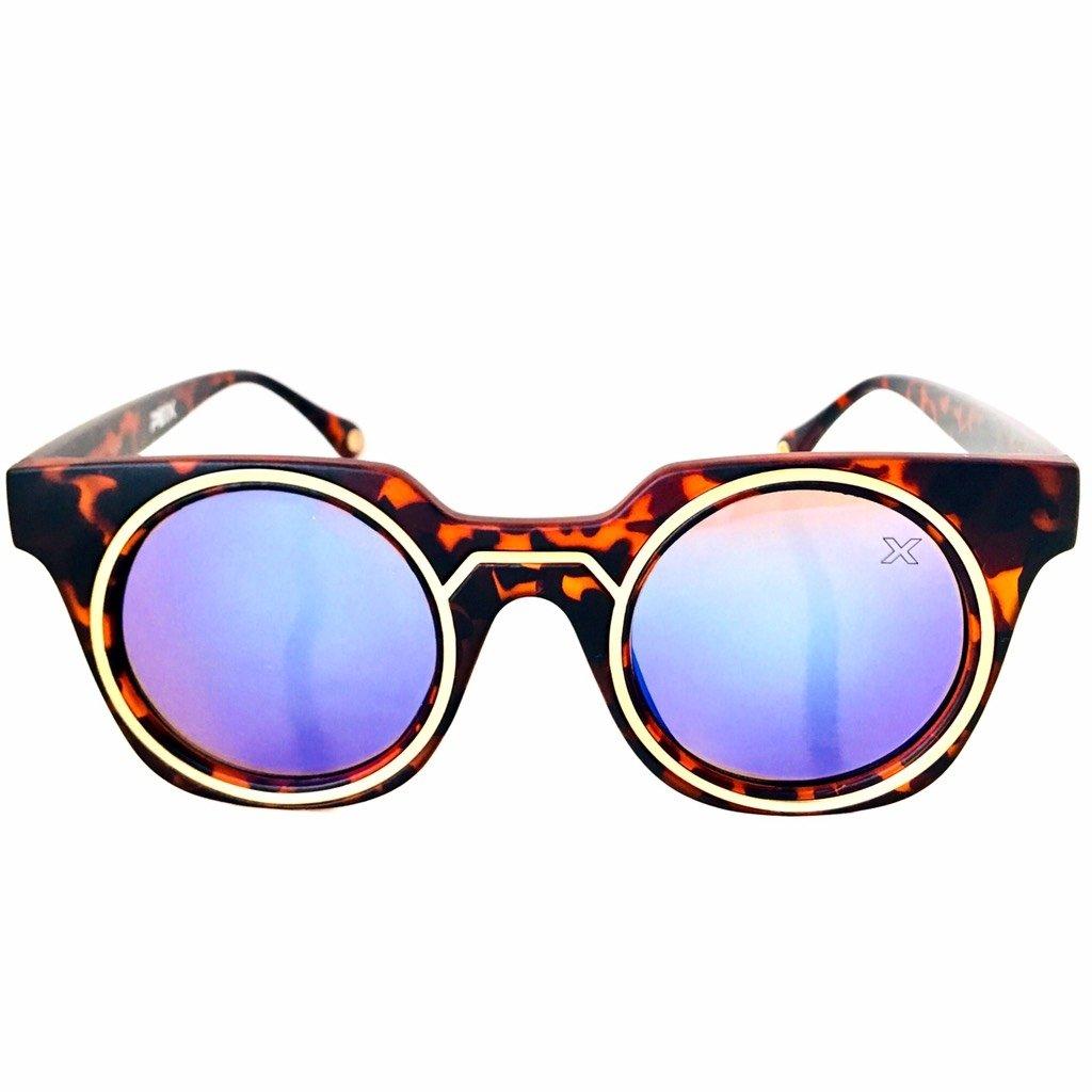 8dd646714 Óculos de sol Geo Future estampado tartaruga lente espelhada azul