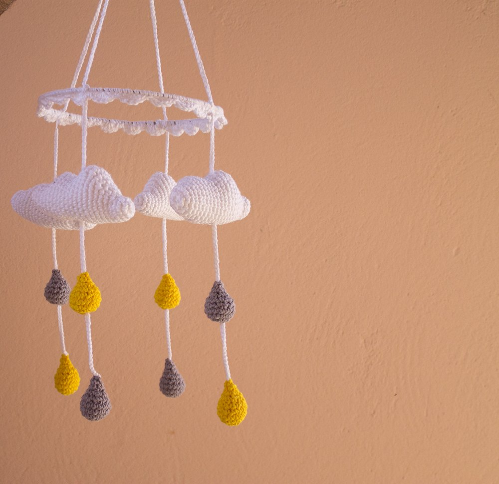 Móbile nuvem amigurumi- móbile chuva de amor amigurumi no Elo7 ...   969x1000