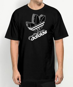 Camiseta Adidas Classic World
