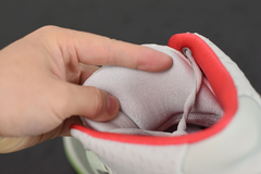 "Tênis Nike Air Yeezy 2 ""Pure Platinum"""