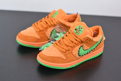 "Tênis Nike SB Dunk Low X  Grateful Dead ""Bear Pack"" na internet"
