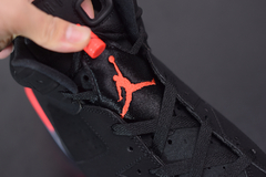 "Tenis Air Jordan 6 ""Black Infrared' na internet"