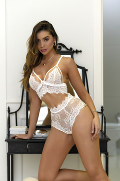 CONJUNTO ILLUSION ELEGÂNCIA WHITE C/ CALCINHA HOT PANT
