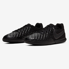 1404 Chuteira Futsal Nike Tiempo Legend VIII Club Preto AT6110-010