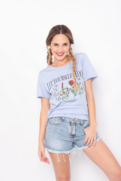REMERA FLORES YOURSELF - MONACA
