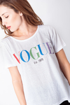 REMERA ESTAMPADA VOGUE COLORES