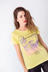 REMERA ESTAMAPADA MYSTERIOUS DREAMSCAPES en internet