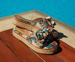 Tamanco Feminino Flatform Estampa Floresta Tropical