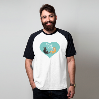 CAMISETA RAGLAN BRANCA - ALL YOU NEED IS LOVE AND A CAT