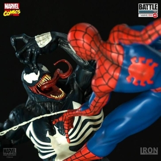 Spider man vs Venom 1/6 Battle Diorama - Iron Studios