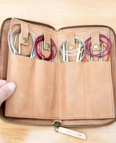 FIX CIRCULAR NEEDLE WALLET | Estuche agujas FIJAS- JOJI & CO. en internet